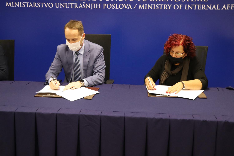 Ministria e Punëve të Brendshme nënshkroi marrëveshje bashkëpunimi me Sos Fshatrat e Fëmijëve në Kosovë